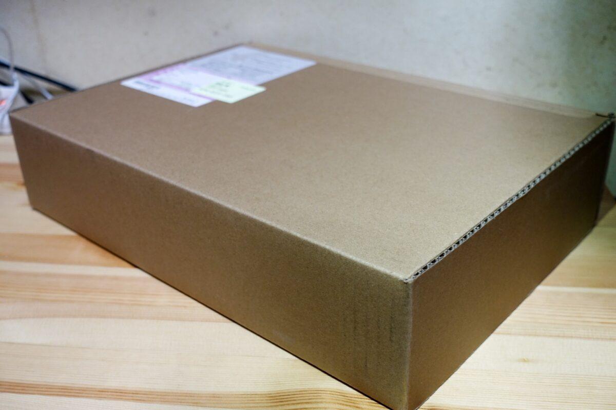 15インチ MacBook Pro ダンボール
