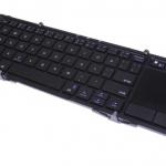 タッチパッドも搭載した三つ折り式Bluetoothキーボード!上海問屋で発売開始!!