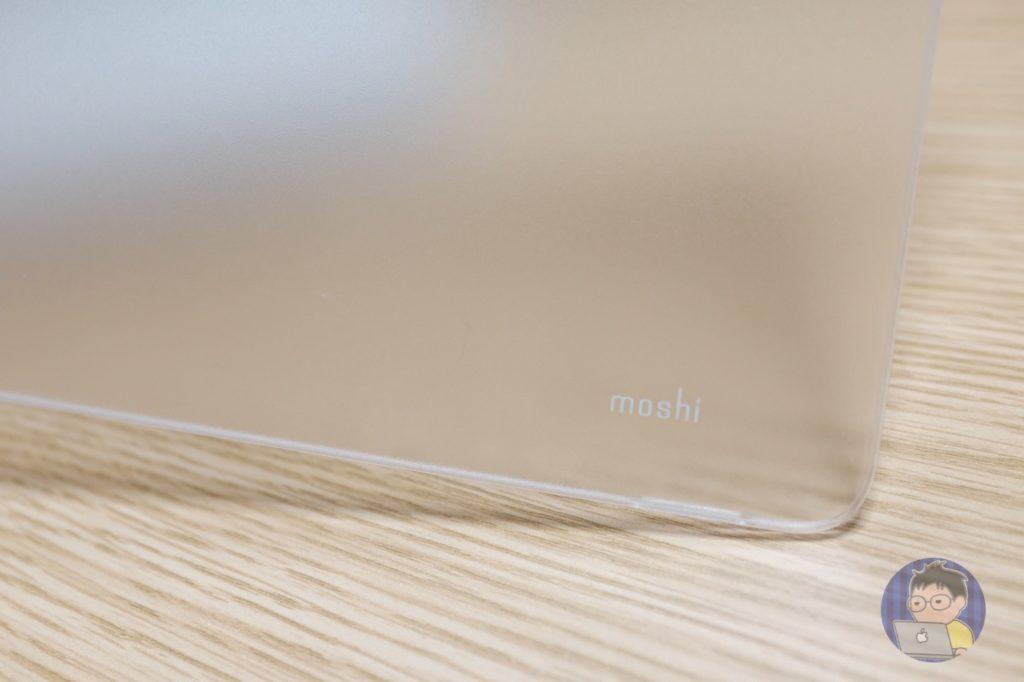 15インチ MacBook Proに「moshi」のハードシェルケースを装着致しました