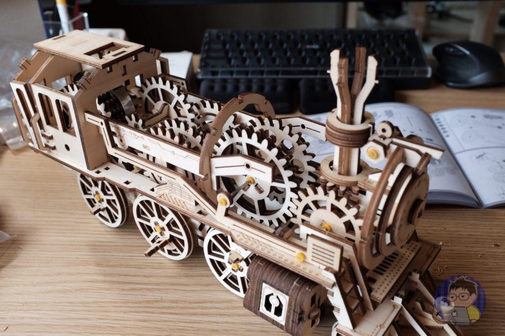 魅力的だったのでロボタイムシリーズ「機関車」を購入しました