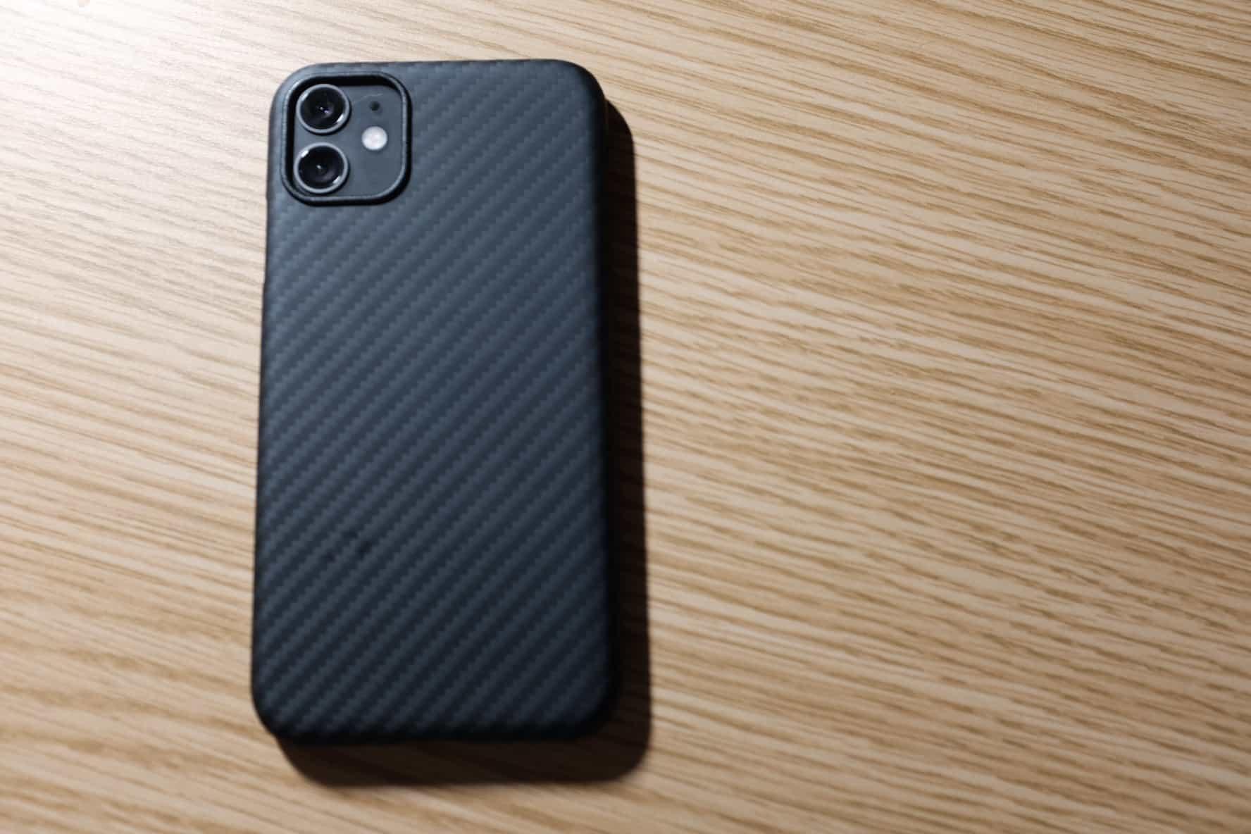 極薄!iPhone 11 用にアラミド繊維「PITAKA」のケースを購入しました