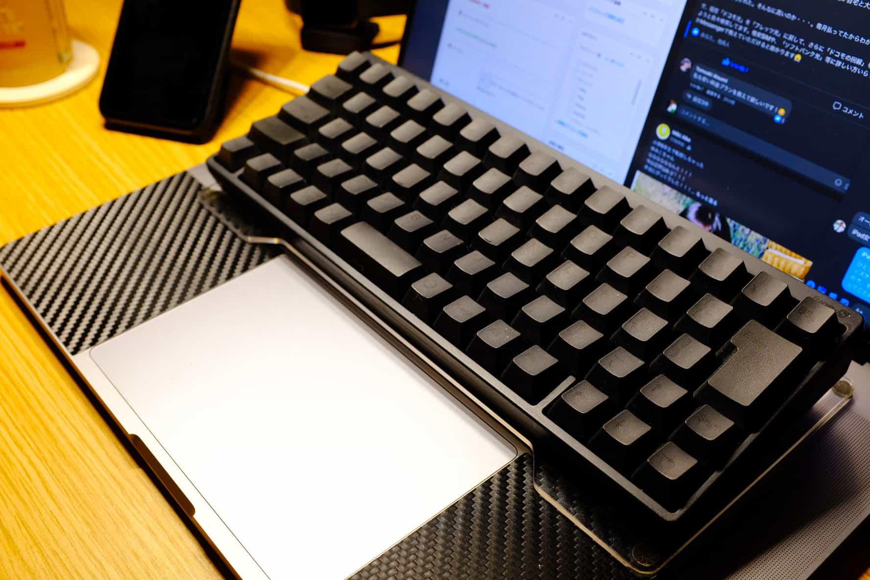 MacBookをカタカタとタイピングしている自分ってカッコよくね?
