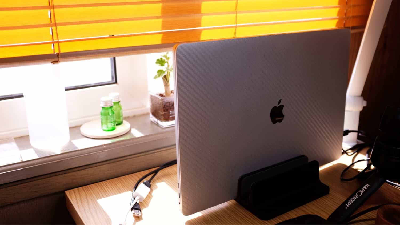 窓を開けるだけで十分に冷えるMacBook