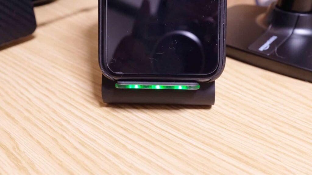 ライトの点灯で何が充電されているかどうかわかる