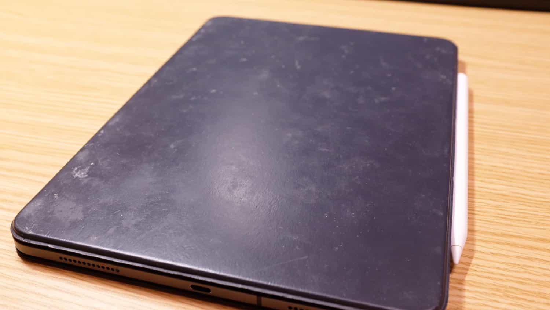 「Smart Keyboard Folio」が本気で汚い