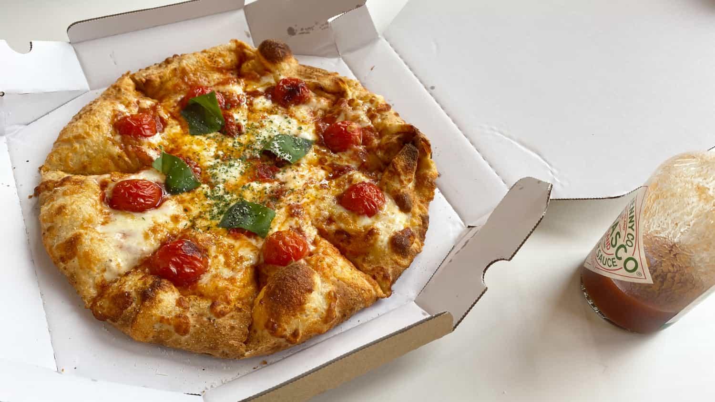 豚丼とマルゲリータピザをいただきました
