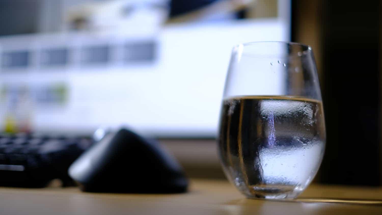 専用グラスを用意すると不思議なことにお水を飲むようになる