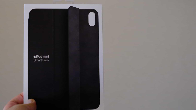 Smart Folio の箱サイズで、iPad mini(第6世代)のサイズを実感できる